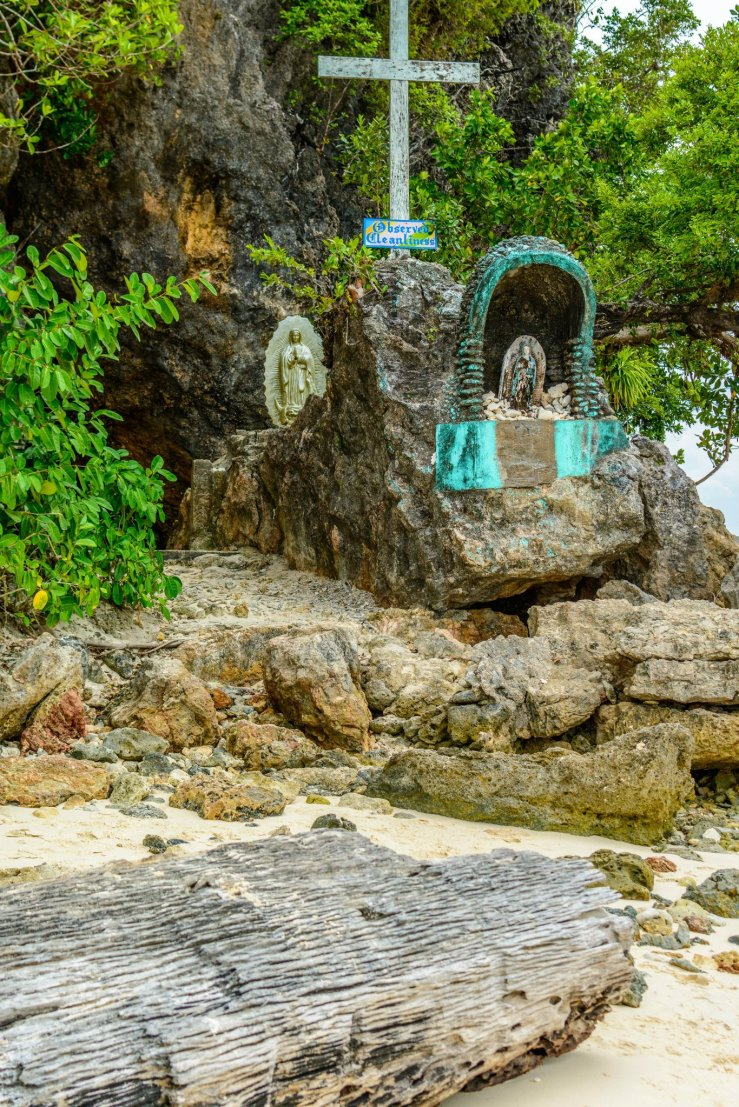 Two images of the Virgin Mary on this island.